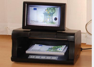 C8  - banknotes and ID documents detector